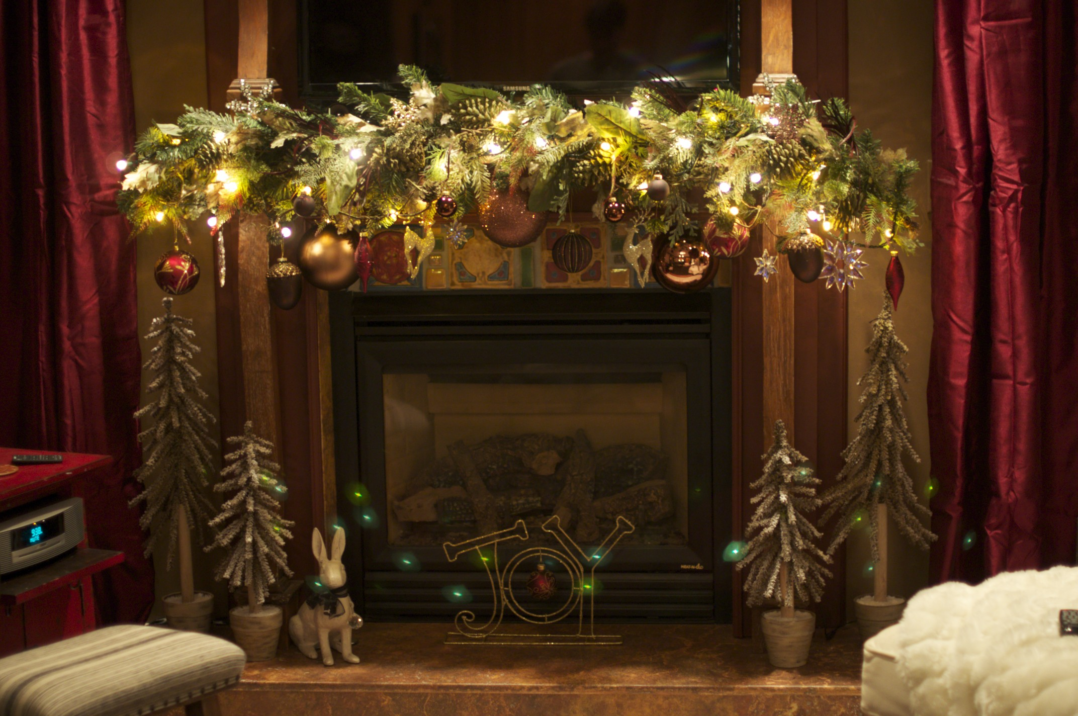 Beautiful Ideas For Christmas Fireplaces Decor - Elly's ...
