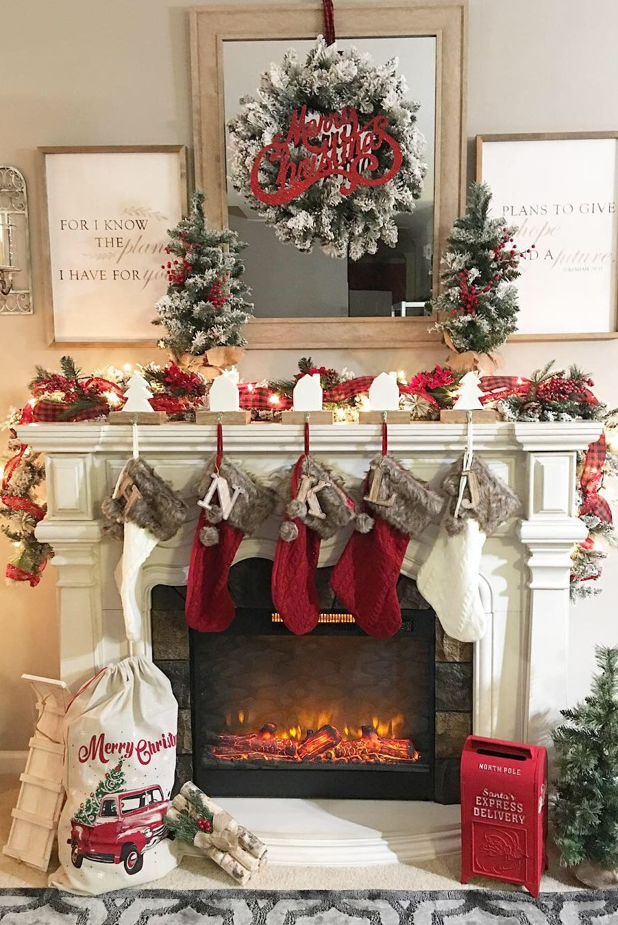 When It Comes to Christmas Mantel Ideas, You Can Be ...